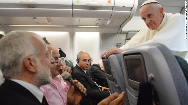 """Francisco: """"Si un gay acepta al Señor y tiene buena voluntad, ¿quién soy yo para juzgarlo?"""""""