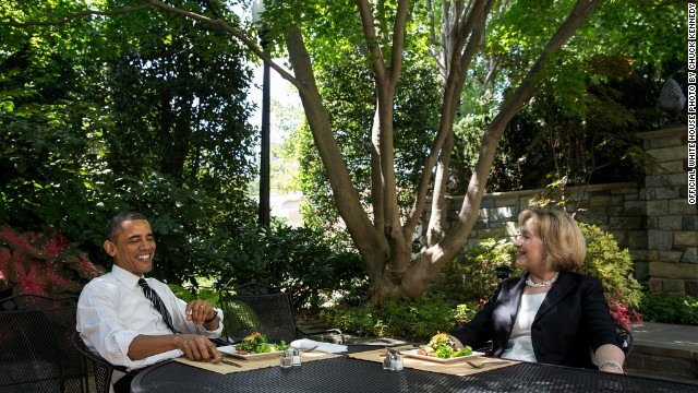 Obama, Hillary Clinton sit down to lunch