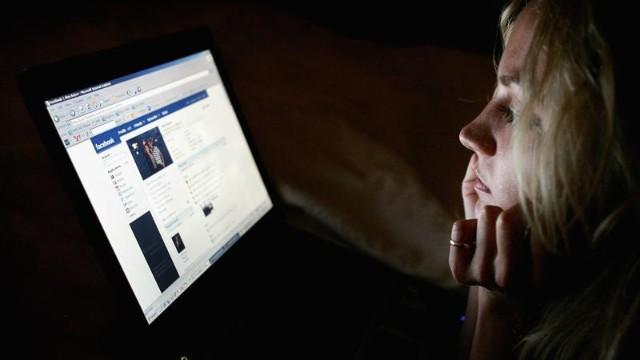 Los adolescentes protegen más su privacidad que los adultos en Internet