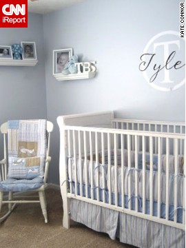 <a href='http://ireport.cnn.com/docs/DOC-1013174'>Kate Connor</a>'s <a href='http://www.chiconashoestringdecorating.blogspot.com' target='_blank'>modern baby blue</a> boy nursery.