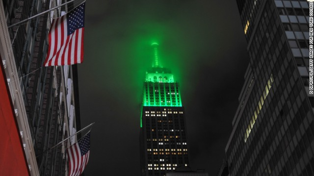 Ahead of Saturday's match against the Fort Lauderdale Strikers, the Cosmos' first competitive fixture in 30 years, the top of the Empire State Building is turned green.