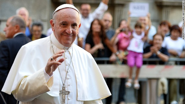 Pope condemns use of chemical weapons in Syria
