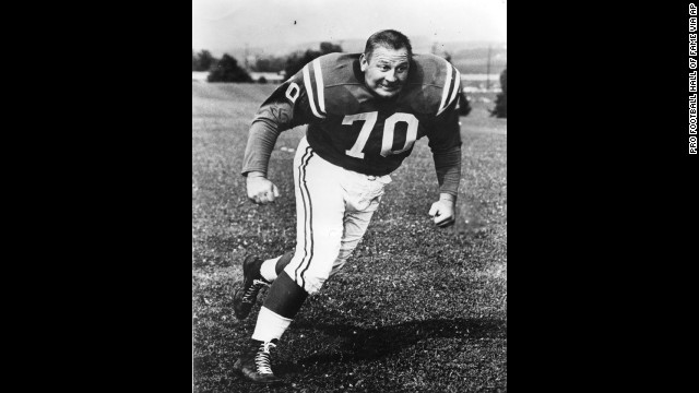 Baltimore Colts defensive tackle Art Donovan, a charismatic player who was elected to the Pro Football Hall of Fame in 1968, died Sunday, August 4. He was 88.
