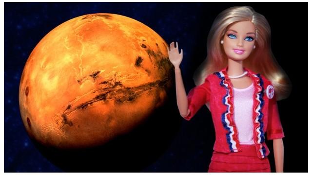 """La nueva Barbie viaja a Marte al primer aniversario del """"Curiosity"""""""