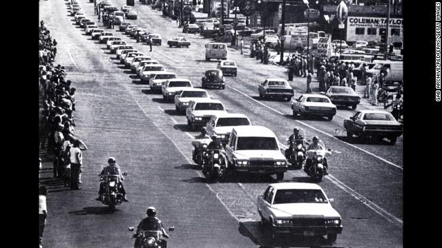 Elvis Presley's funeral cortege in Memphis, Tennessee on August 18, 1977.