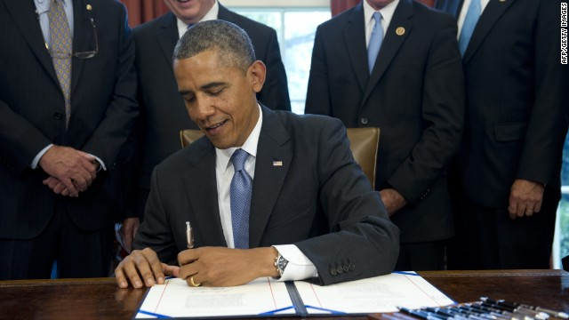 Obama signs student loan bill