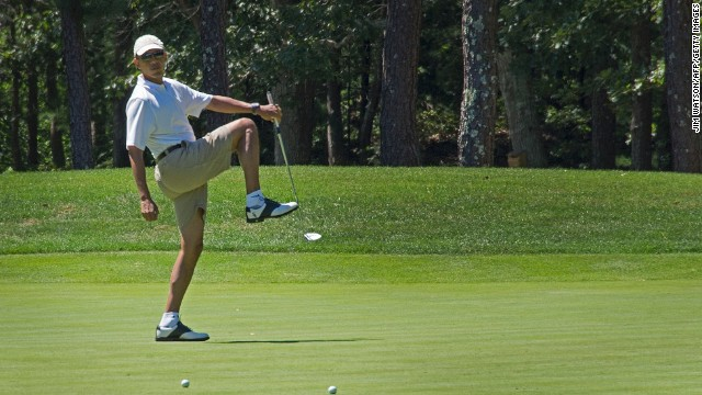 Obama tees off vacation