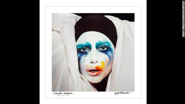 Lady Gaga lives for the 'Applause' on new song