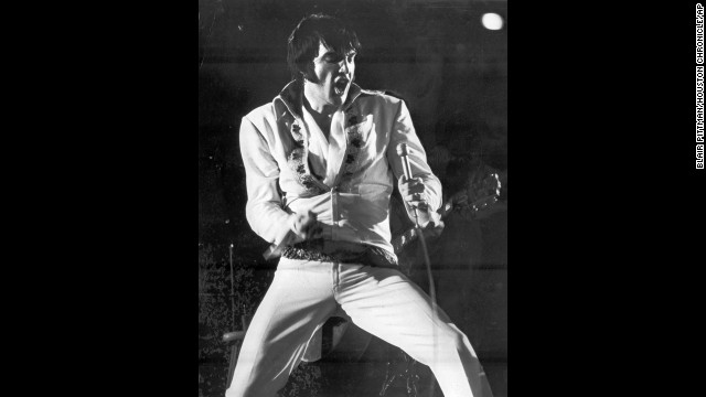 Elvis Presley thrills an Astrodome crowd in a February 1970 show.