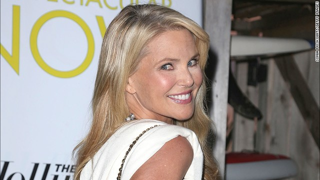 Cover girl Christie Brinkley gives younger models a run for the runway at 59.<!-- --> </br>