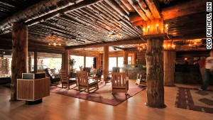 Old Faithful Inn, the largest log hotel anywhere.