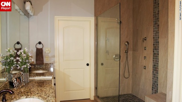 <a href='http://ireport.cnn.com/docs/DOC-1017631'>Tiffani Stutzman's</a> spa-like bathroom.