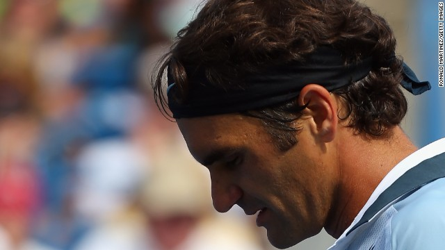 Roger Federer beat Tommy Haas in three sets in Cincinnati to reach the quarterfinals.
