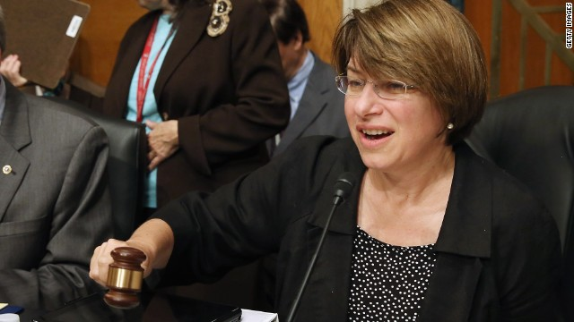 Klobuchar talks up Iowa in Hawkeye State visit