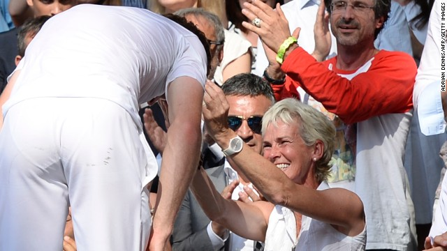 In the moments after he won Wimbledon in July 2013, Andy said he couldn't remember what happened in the final game. Overwhelmed, he almost forgot to hug mom.