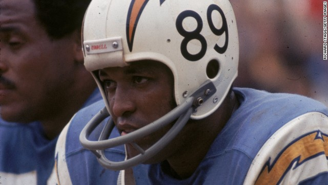 Pro Football Hall of Famer John Mackey suffered from dementia for years before dying at the age of 69.