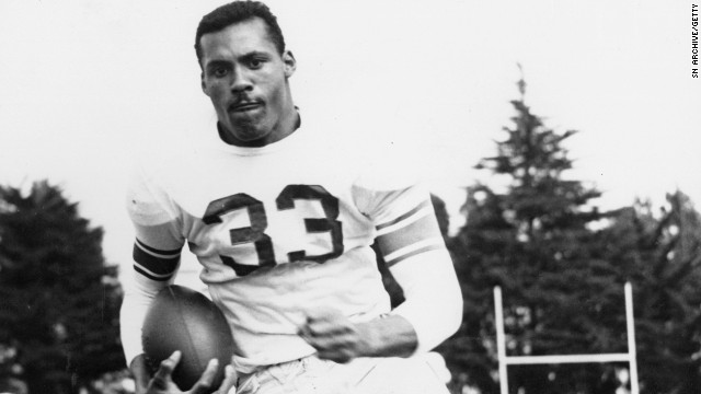 Ollie Matson played 14 NFL seasons starting in the 1950s and suffered from dementia until his death in 2011.