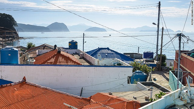 Only a few hundred people live on Bijindo. There are two villages on the island -- Waehang and Naehang.