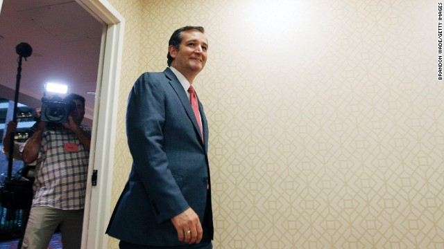 Amid 2016 speculation, Cruz takes grassroots pitch to New Hampshire