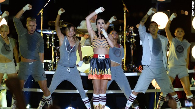 "Katy Perry was ready to rumble while playing her chart-topping single ""Roar"" under the Brooklyn Bridge. The song closed out the VMAs."