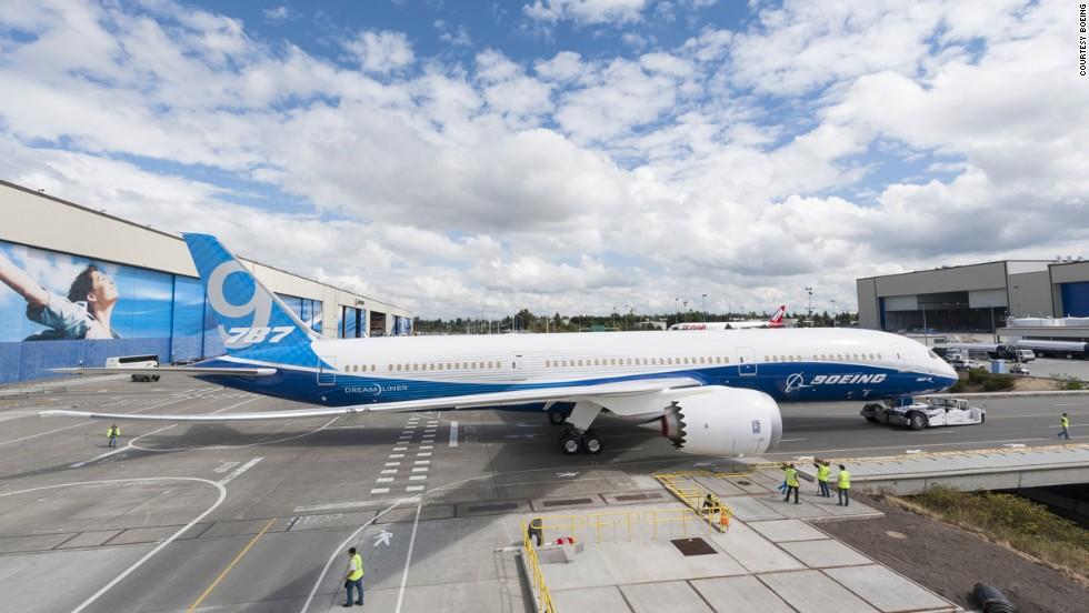 2012: Lanzan el Boeing Dreamliner