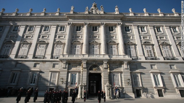 Arguably Madrid's stand-out building, the Palacio Real, it is the largest royal palace in western Europe. Open to the public, it houses famous art works, fine furnishings and classic tapestries.
