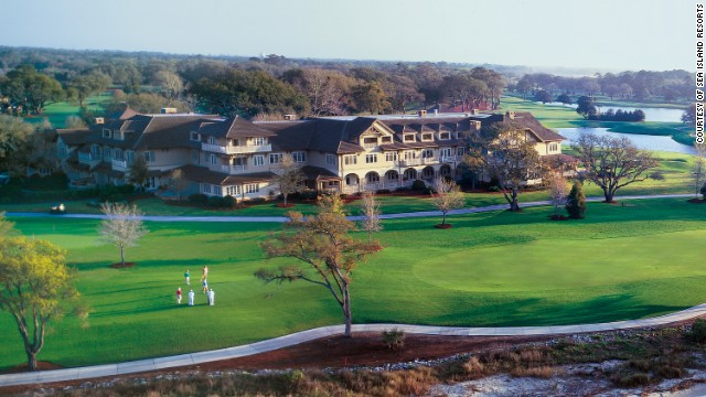 This is a genteel lodge with 40 country-style rooms and on-site access to a legendary golf course.