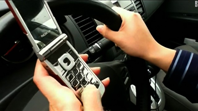 ¿Realmente pueden responsabilizarte por enviar un mensaje de texto a un conductor?