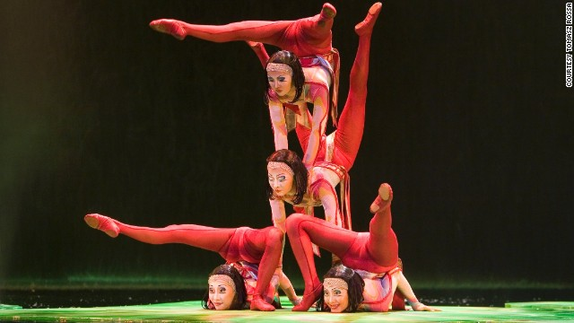 Mongolians bend over backwards to be world\'s top contortionists