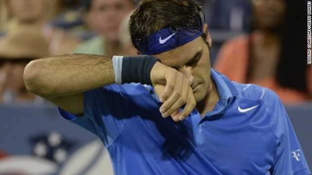 Roger Federer loses to Tommy Robredo following their 2013 US Open men's singles match in New York on September 2, 2013.