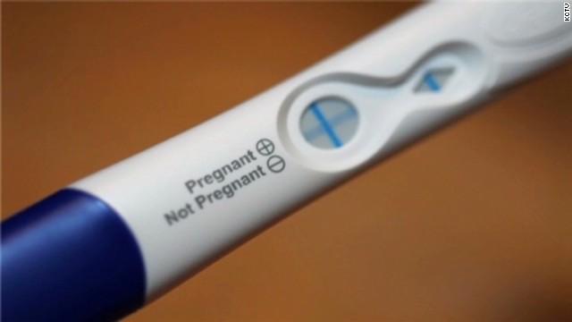 Mujeres venden pruebas de embarazo positivas en Craigslist