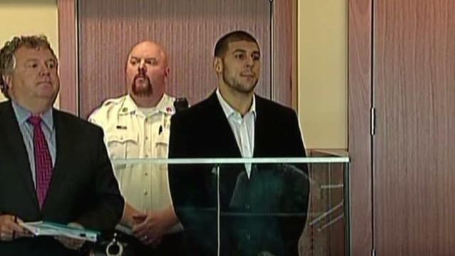 Aaron Hernández se declara no culpable del asesinato de Odin Lloyd