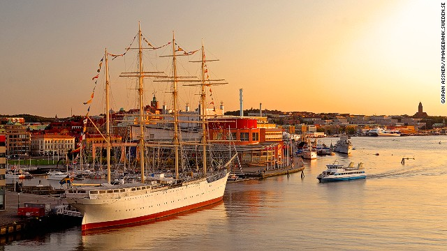 Most foreign travelers to Bohuslän fly to Gothenburg. Sweden's second largest city is an increasingly cosmopolitan place renowned for its lively coffee culture -- the famous fika.