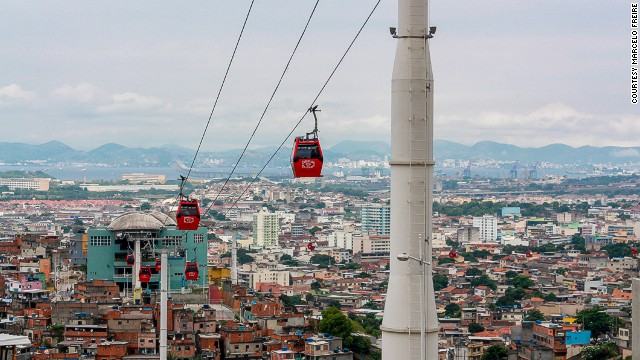 A ropeway hangs above the Brazilian city of Rio de Janeiro. The hanging pods have found a home in many South American cities in recent years. The latest is currently being designed and built in Bolivia's administrative capital, La Paz. (Picture courtesy of <a href='http://www.flickr.com/photos/99311957@N05/' target='_blank'>Marcelo Freire</a>)