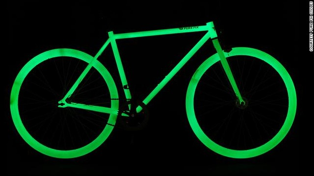 With <a href='http://purefixcycles.com/' target='_blank'>Pure Fix</a>'s glow-in-the-dark bike, nighttime riding just became less risky. The entire frame is charged by sunlight and will illuminate at night.