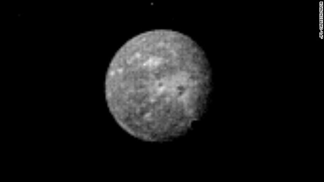 Uranus' outermost and largest moon, Oberon, is seen in this Voyager 2 image, obtained January 22, 1986.