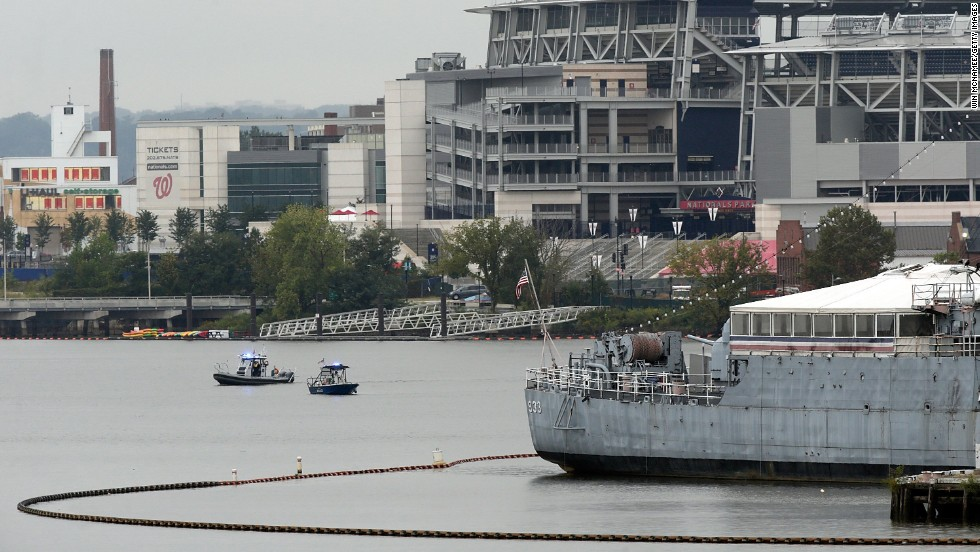 Tiroteo en comando de la Marina de EE.UU. en Washington