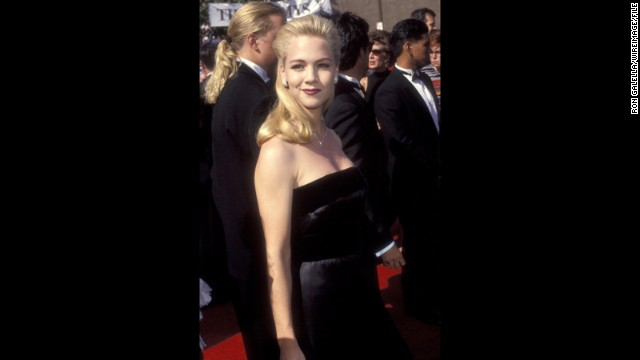 """Beverly Hills, 90210"" star Jennie Garth stuck with fail-proof strapless black in 1992."