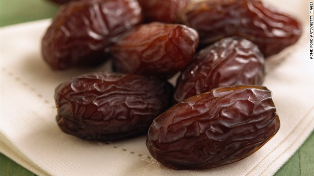 <strong>Dates:</strong> This Middle Eastern favorite is a sweet fruit that is perfect braised in stews, chopped up in desserts, or stuffed with cream cheese or almonds. <!-- --> </br><!-- --> </br>Health benefits include: <!-- --> </br>• Low in fat <!-- --> </br>• Good source of fiber <!-- --> </br>• Good source of potassium <!-- --> </br><!-- --> </br> Harvest season: September to December