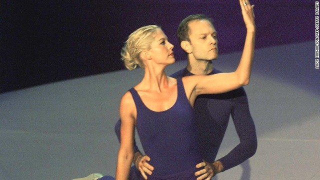 Do you remember when David Hyde Pierce and Jenna Elfman co-hosted the 51st Emmy Awards in 1999 and did that leotard dance? Best that it be forgotten.