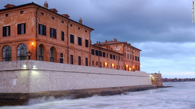 La Posta Vecchia was built in the mid-17th century by the Renaissance Prince Orsini. In the 1960s, oil tycoon J.P. Getty bought and restored it, salvaging many original artifacts while simultaneously reinvigorating the palace with pieces from his own art collection.