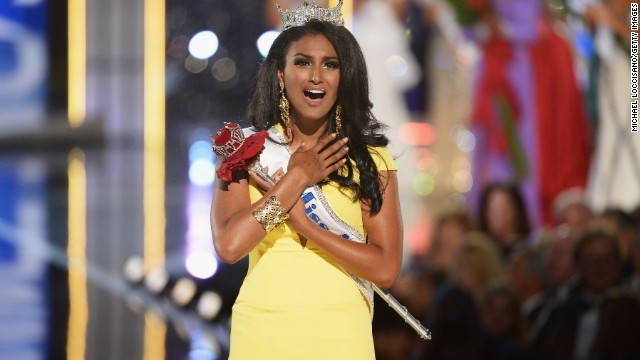 ATLANTIC CITY, NJ - SEPTEMBER 15: Miss America 2014 contestant Miss New York Nina Davuluri wins the 2014 Miss America Competition at Boardwalk Hall Arena on September 15, 2013 in Atlantic City, New Jersey.