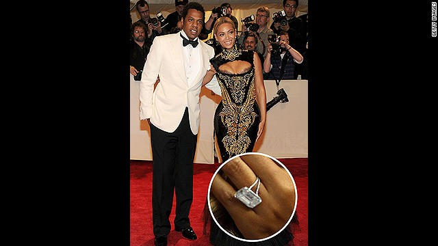 Jay-Z didn't just put a ring on it -- he went above and beyond for wife Beyoncé with a huge 18-carat diamond ring.