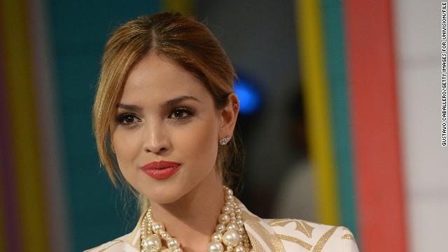Eiza González, Liam Hemsworth and more news to note