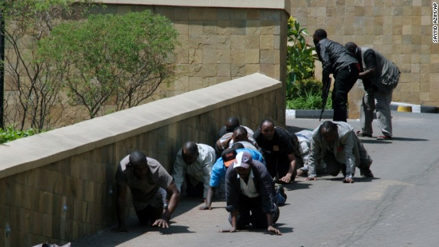 Al menos 20 muertos y 50 heridos en un tiroteo en un centro comercial de Nairobi