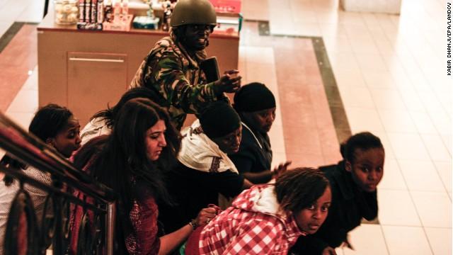 62 muertos y 175 heridos en Nairobi donde la mayoría de los rehenes han sido liberados, según el ejército
