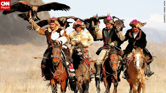 These nomadic Mongolian hunters raise eagles to hunt for foxes and wolves. Read more on <a href='http://ireport.cnn.com/docs/DOC-861825'>CNN iReport</a>.