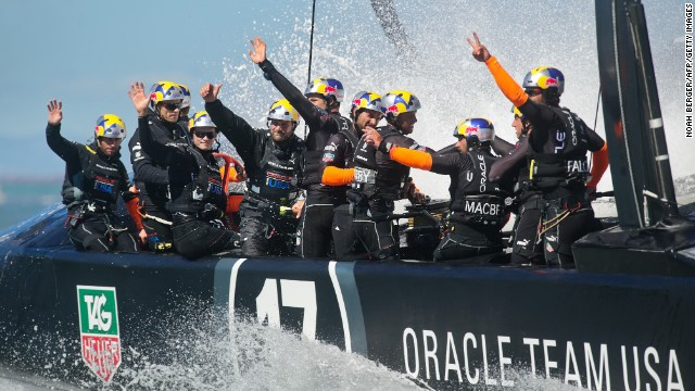 Oracle Team USA won a fifth successive race to deny Team New Zealand victory in San Francisco.