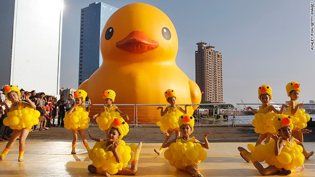 What's cuter than a giant rubber duck? A giant rubber duck surrounded by dancing young fans.