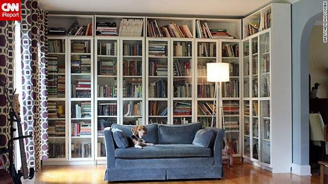 How do you organize your books? <a href='http://ireport.cnn.com/docs/DOC-1036032'>Gretchen Holcombe</a> says she's a sucker for an alphabetized bookshelf. Want to know more? Ask her in the comments section below!